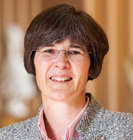 Catherine LYALL (United Kingdom)